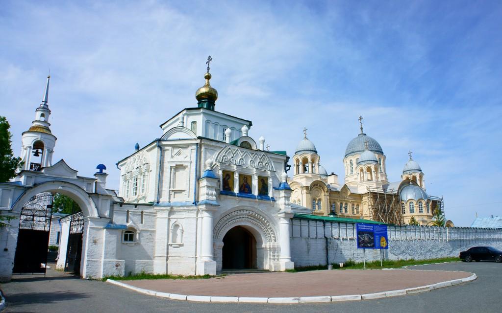 Симеоно-Аннинская надвратная церковь