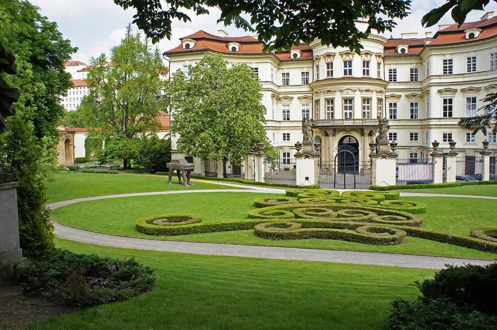 дворец Лобковицев