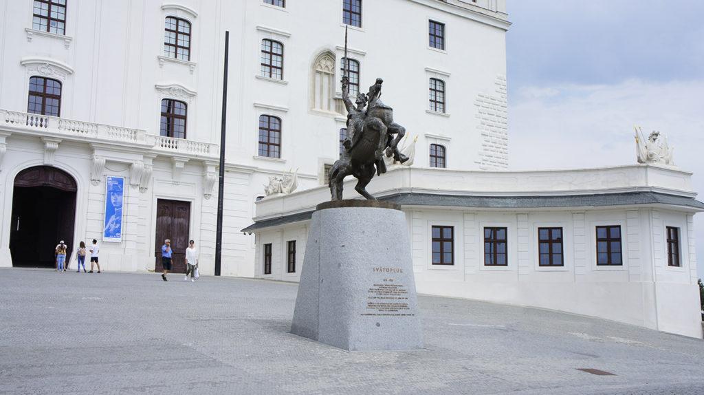 памятник Святополку I