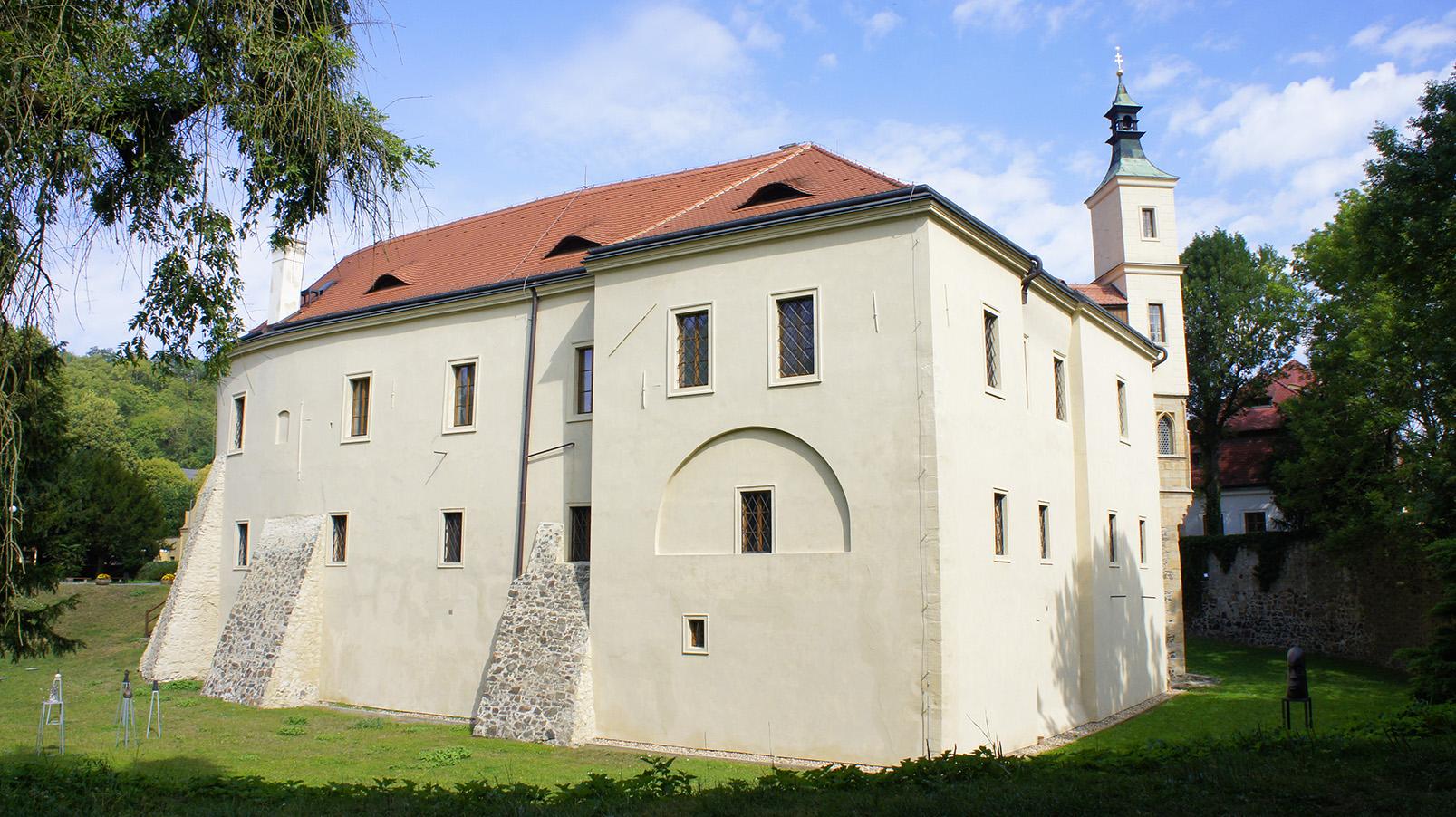 замок Розтоки у Праги